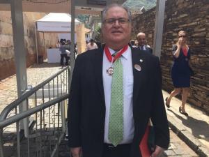 Roberto Andrade recebe Medalha da Inconfidência das mãos do governador Pimentel