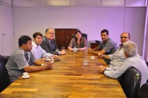 Deputado Roberto Andrade e autoridades de Ervália e Araponga cobram retomada das obras