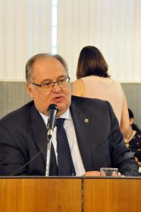 Membro da Comissão de Proteção dos Animais da ALMG, Roberto Andrade defende parceria do Poder Público com entidades civis