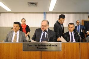 Roberto Andrade apresentou substitutivo para adequar projeto à legislação federal